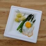 Jednorazowy talerz obiadowy z trzciny cukrowej