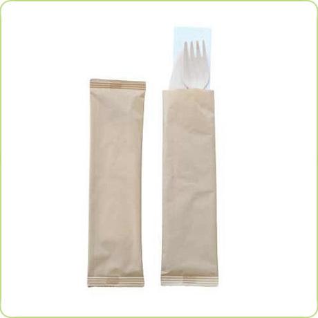 Sztućce konfekcjonowane - zestaw widelec i nóż z serwetką (1)